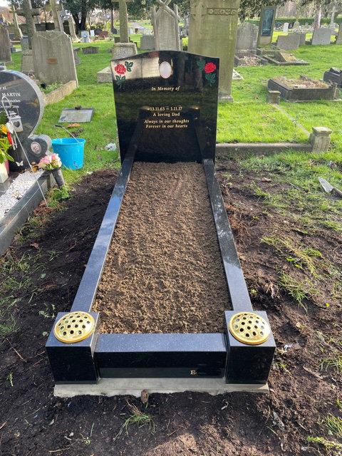 black granite full kerb traditional memorial with red roses