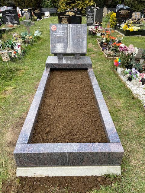 MB134/NM140 Paradiso Granite memorial