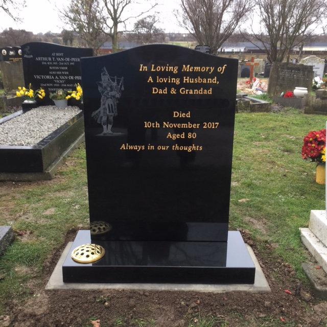NM-129 black granite lawn memorial