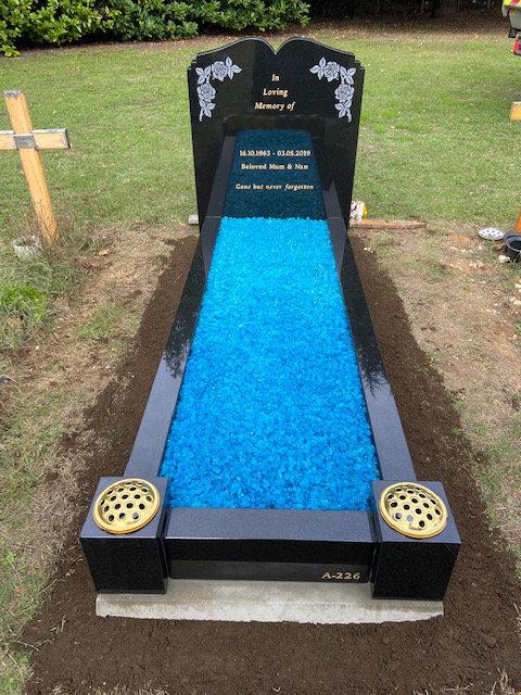 NM138 black granite dip top full memorial