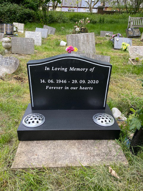 Honed cremation memorial with pinline
